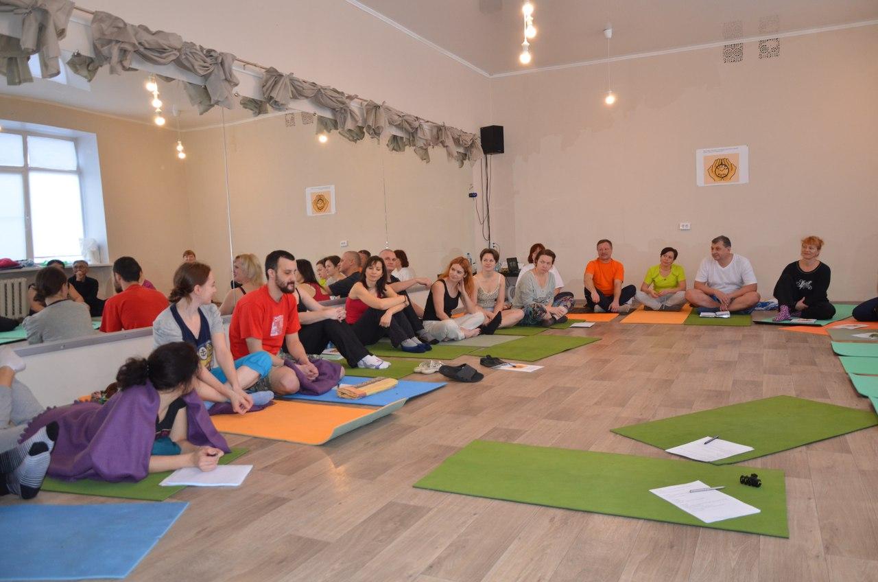 Фестиваль массажа, Омск, 2017 г. Участники в круге. 2